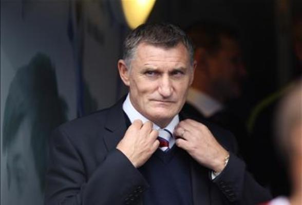 Tony Mowbray named Coventry boss