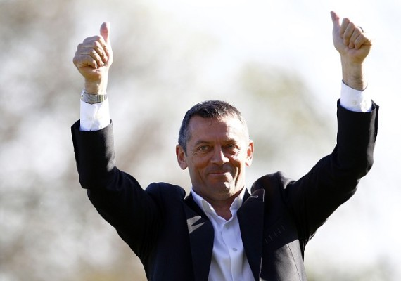 Kneesy does it for Southend boss Phil Brown