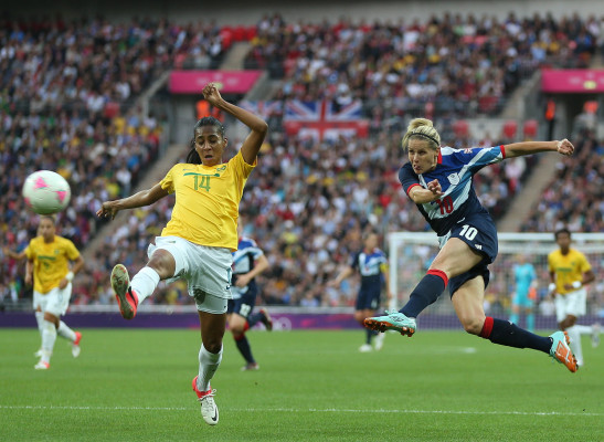 13 female players removed from FIFA 16 after NCAA eligibility fears