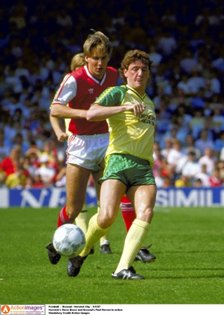 Bruce at a young age for the Canaries, who paid £70,000 for his services (Photo by Action Images)