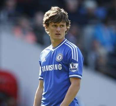 Brentford loan Chelsea's Swift