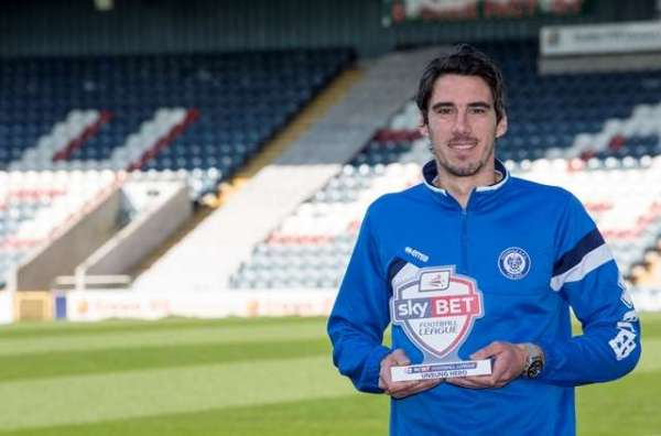 Rochdale's Vincenti does his bit in helping those with cancer