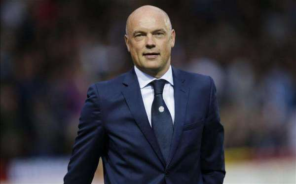 Uwe Rosler sacked as Leeds manager with Steve Evans taking over