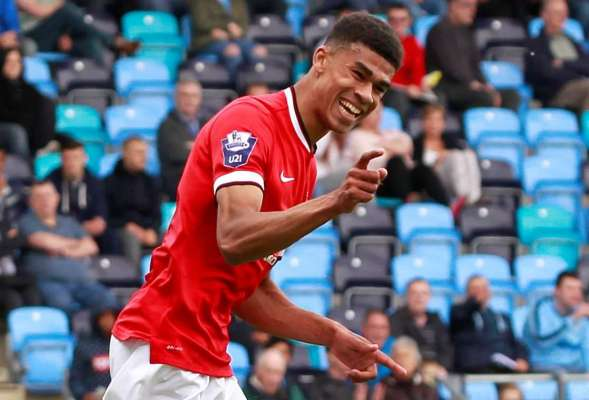Fletcher settling in well alongside Barnsley strike partner Winnall
