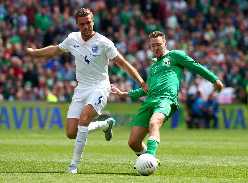 Winging it: McGeady in action for Ireland against England last year (photo by Reuters / Eddie Keogh)