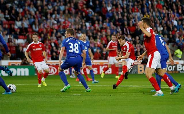 """Football - Barnsley v Everton - Capital One Cup Second Round - Oakwell - 26/8/15 Sam Winnall scores the first goal for Barnsley Mandatory Credit: Action Images / Lee Smith Livepic EDITORIAL USE ONLY. No use with unauthorized audio, video, data, fixture lists, club/league logos or """"live"""" services. Online in-match use limited to 45 images, no video emulation. No use in betting, games or single club/league/player publications.  Please contact your account representative for further details."""