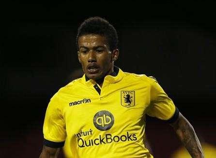 Wycombe sign Villa striker Sellars