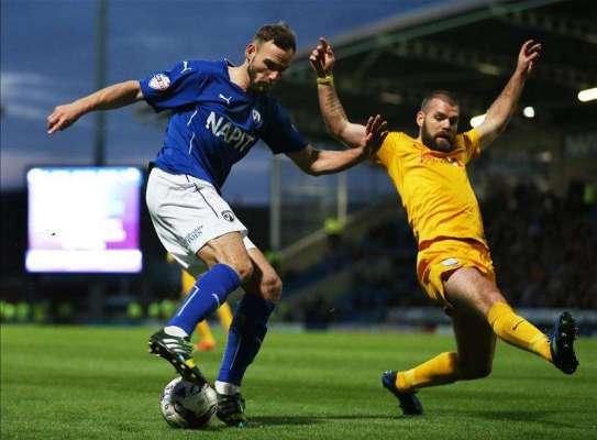 Danny Gardner joins Bury on loan