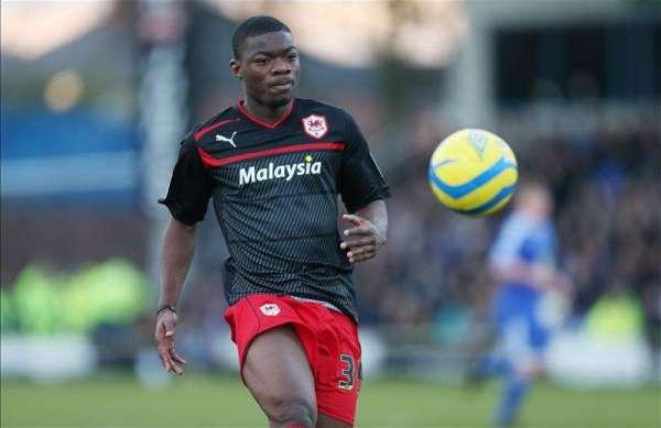Deji Oshilaja re-joins Gillingham on loan
