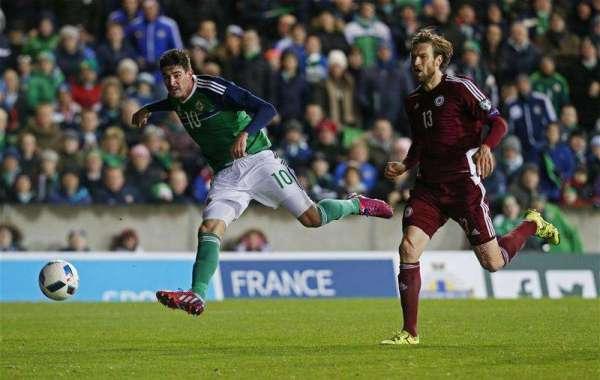 Birmingham sign Kyle Lafferty on loan