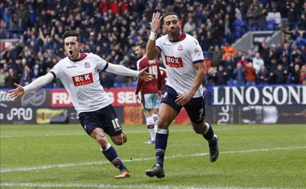 Ipswich bring in Liam Feeney on loan