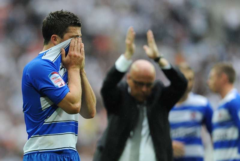 Wembley lows: Reading's Shane Long looks dejected at the end of the 2011 Championship play-off final with manager Brian McDermott (photo by Action Images / Tony O'Brien)