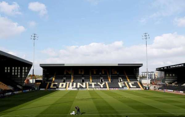 Hardy lodges bid for Magpies takeover