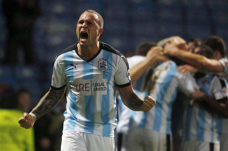 Lynch joins QPR to Wagner's dismay