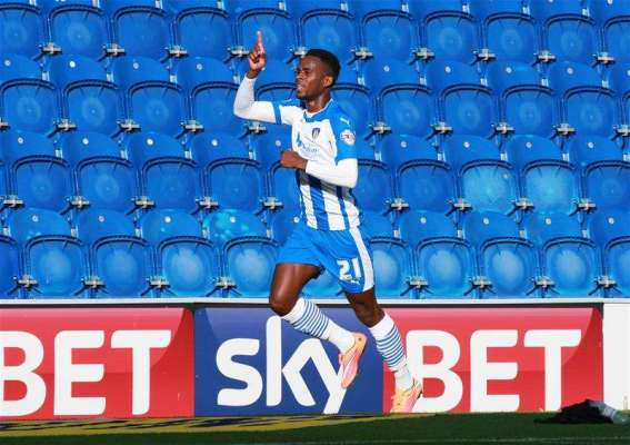Leyton Orient bring in Gavin Massey from Colchester