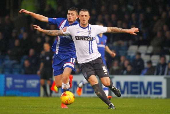 Oldham bring in two new faces
