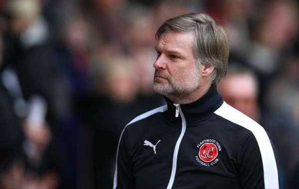 Fleetwood manager Pressley resigns