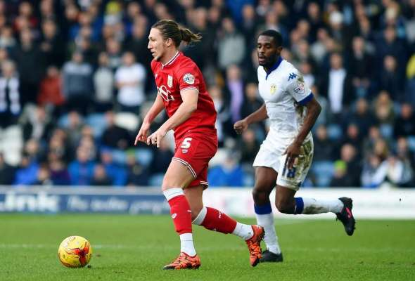 Ayling pens three-year deal at Elland Road