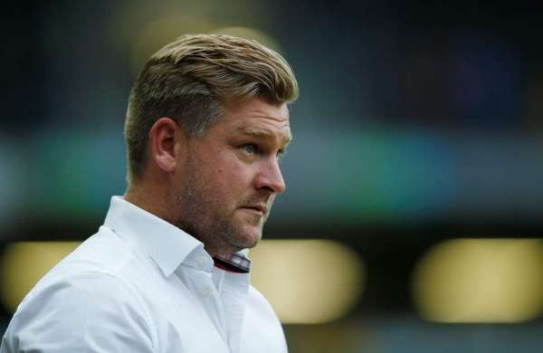 Robinson leaves MK Dons after Southend defeat