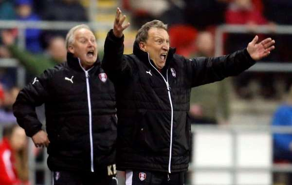 Warnock appointed by Cardiff to perform rescue act