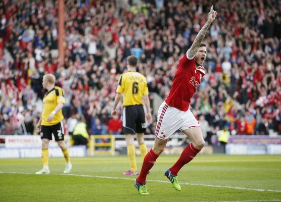 QPR winger Ben Gladwin returns to Swindon