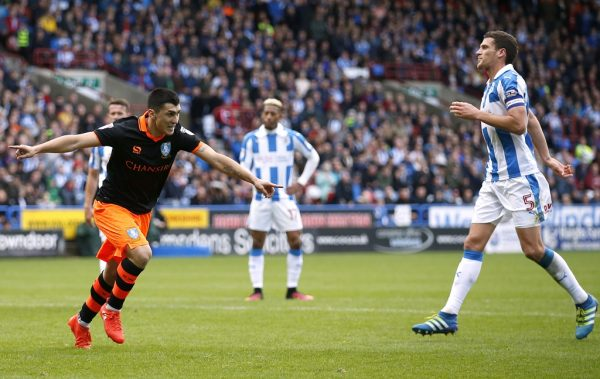Sheffield Wednesday stars Forestieri and Hutchinson sign new deals