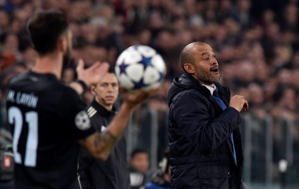 Wolves appoint Nuno Espirito Santo as Lambert's successor