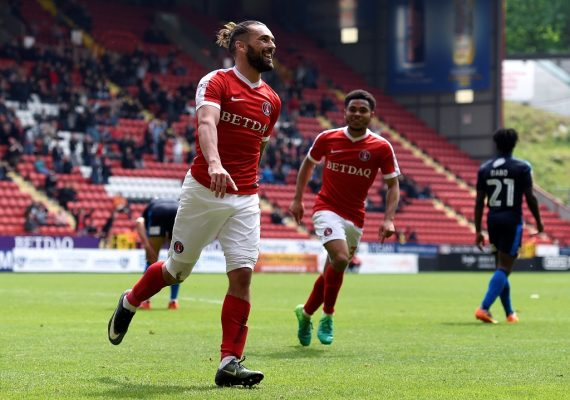 Charlton handed boost as Ricky Holmes signs new contract