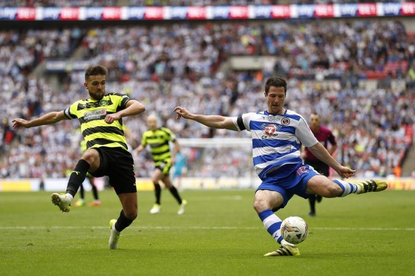 Reading's Kermorgant hands Stam injury blow