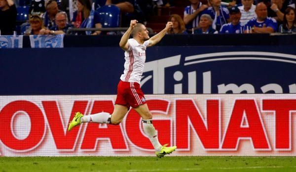 It's Lasogga for Leeds as German signs on season-long loan