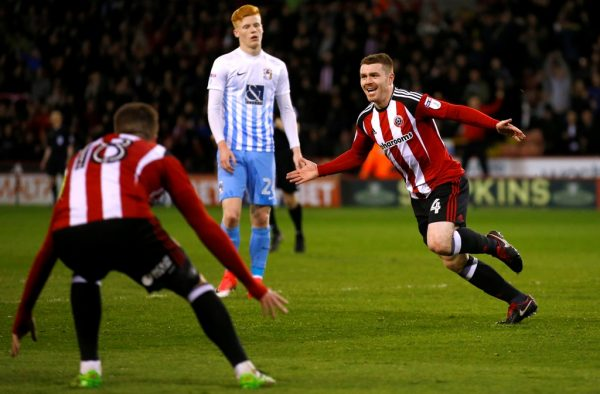 Blades star Fleck signs new long-term contract