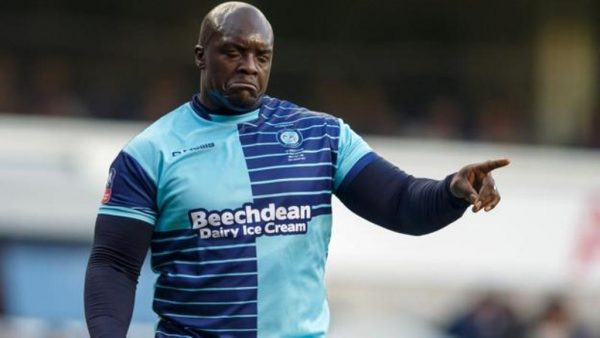 Wycombe's Ainsworth provides Akinfenwa backing after Exeter misses