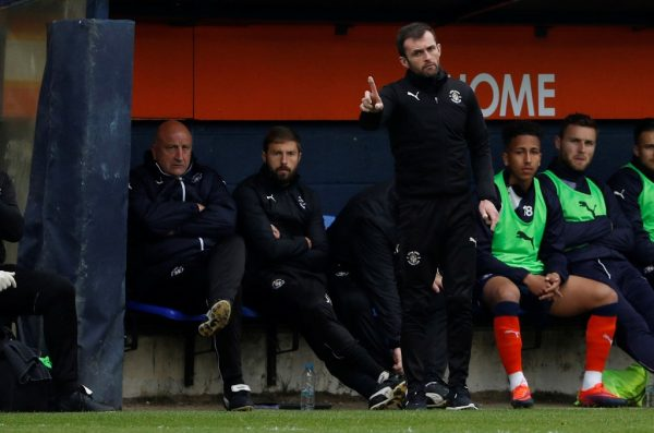 Luton boss Jones fires back at Exeter's 'keyboard warrior' Moxey