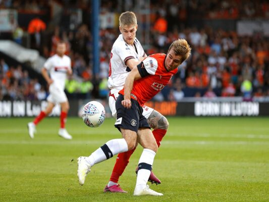 McManaman hoping to prove a point at Luton Town